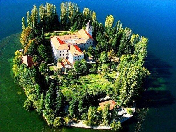 Монастырь Висовац, Хорватия