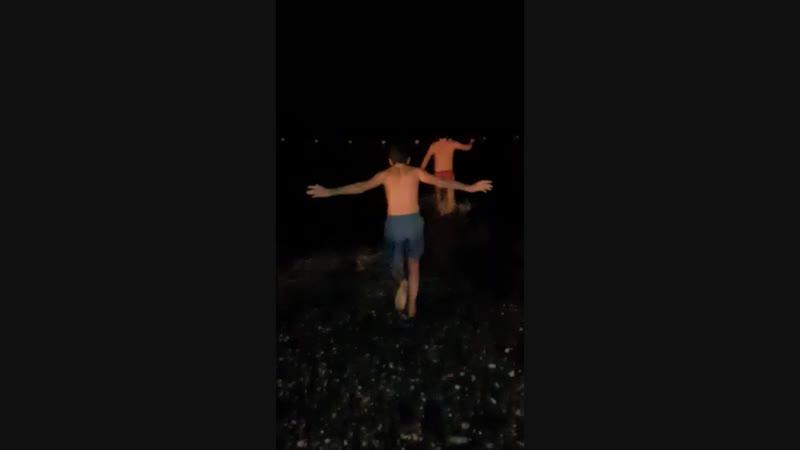 искупался в море в честь крещения
