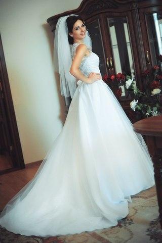 весільні сукні модних брендів  6dbc558d7379c