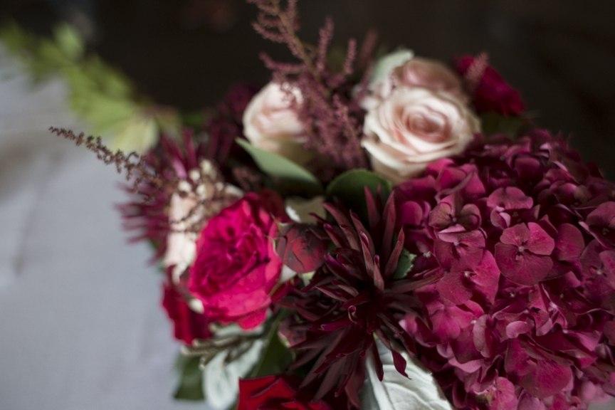 LXGSAd3EYng - Винная тематика в цветочном оформлении свадьбы