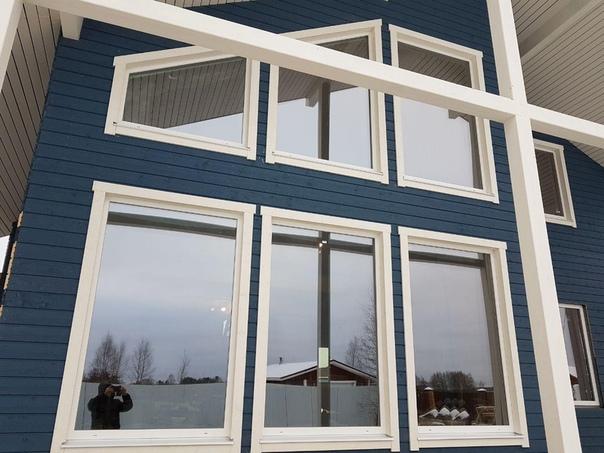 Монтируем фасад из скандинавской доски с поднятым ворсом на объекте #ультрасип_оранжерейка 👌🏻