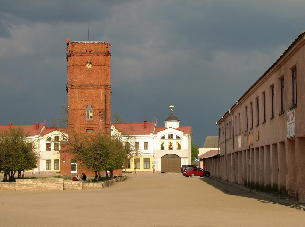 ng7oeUQmNQE Печоры и Псково-Печерский монастырь.