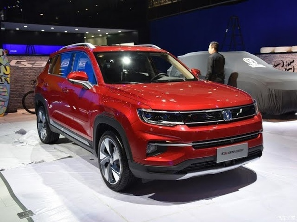 2018 Changan CS35 Plus. Китайский «паркетник» второго поколения от Чанган кардинально преобразился.