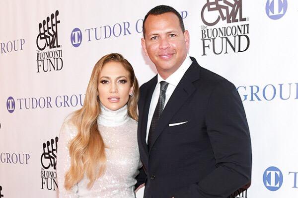 Дженнифер Лопес и Алекс Родригес приобрели особняк в Малибу за 6,6 миллионов долларов. 49-летняя Дженнифер Лопес и ее 43-летний возлюбленный Алекс Родригес совершили первую серьезную совместную