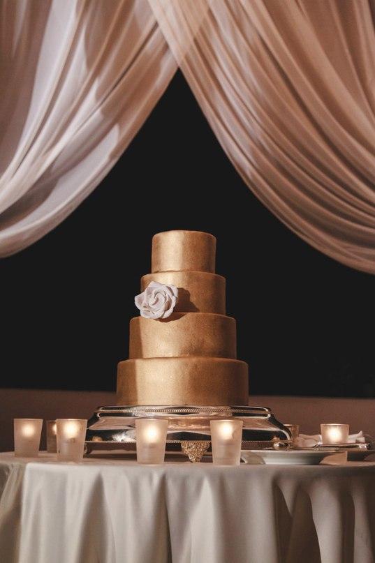 KLgIcD2X BI - Золотые и серебряные свадебные торты 2016 (70 фото)
