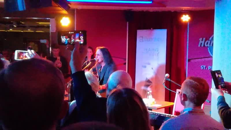 Кен Хенсли (ex-Uriah Heep) в Hard Rock Cafe 03.11.2018 Lady In Black
