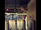Как правильно входить в метро by Kirya ?