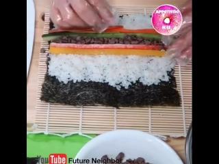 Традиционное корейское блюдо Кимпаб