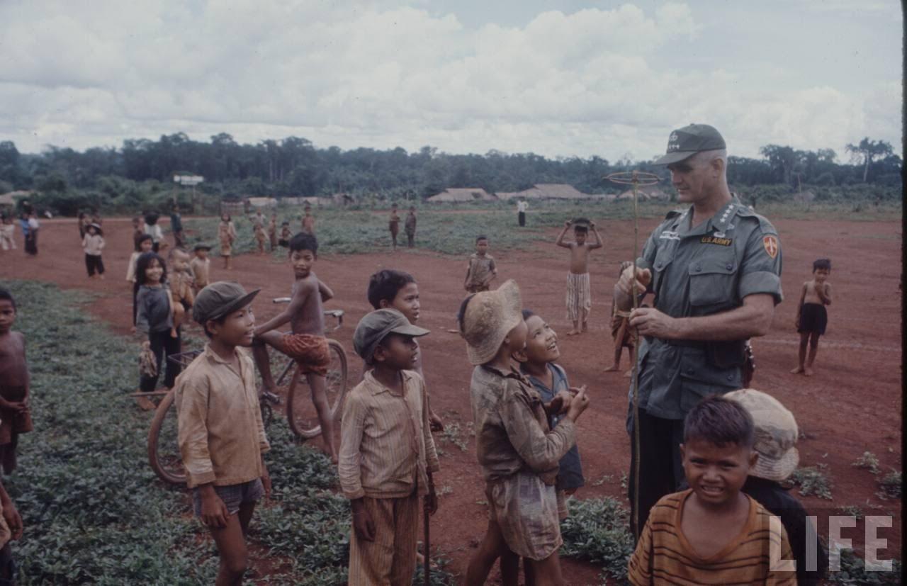 guerre du vietnam - Page 2 8A259eUb4Nk