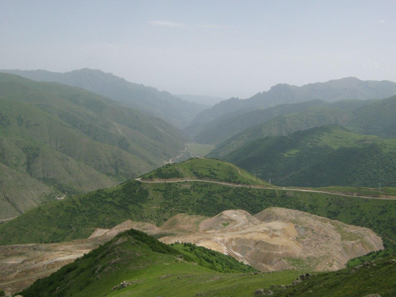 Над Каджаранским перевалом