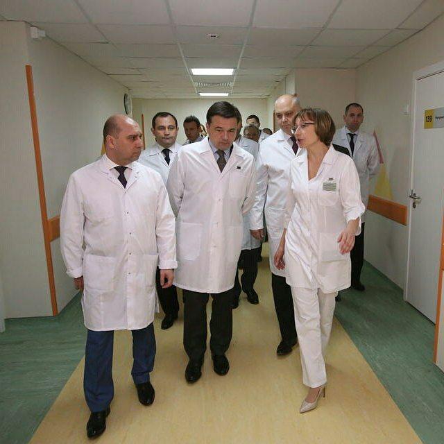 Новый Хирургический корпус онкодиспансера в Балашихе. Созданы максимально комфортные условия для лечения пациентов с тяжелейшими диагнозами. Рядом завершается строительство онкорадиологического центра с самыми современными системами лучевой терапии #медицина #нашеподмосковье