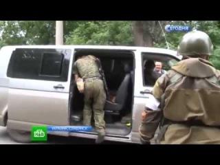Турчинов осмотрел технику на полигоне и посетил командный пункт под Славянском