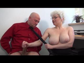 Office handjob - boobs busty blonde milf mature cumshot big natural tits masturbation handjob мамка дрочит член в офисе большая