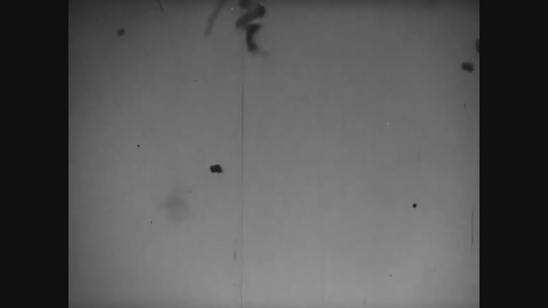 Перл-Харбор.7 декабря 1941 года.Гибель линкора USS Arizona после попадания четыр