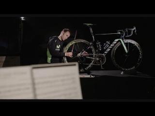Movistar провели презентацию команды и сняли видеоролик, где велосипеды и гонщики превратились в оригинальный оркестр.