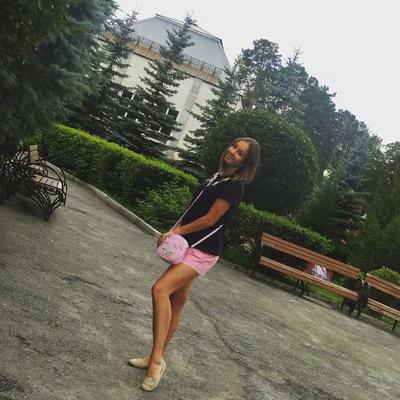 Нина Хватова