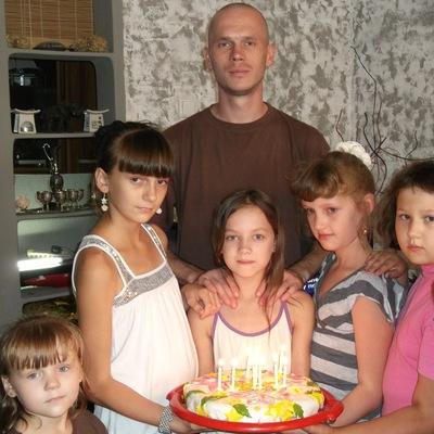 Андрей Титов, 7 мая 1982, Кобрин, id111737178
