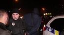 В Киеве на Позняках парни на Range Rover катались с оружием в салоне и показывали оголенные ягодицы