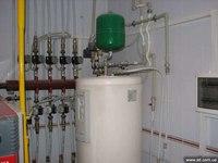 Один из видов отопительных систем зданий - паровое отопление загородных домов.  По сравнению с воздушным или водяным...