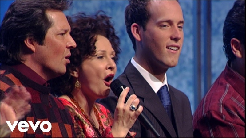 Bill Gloria Gaither - Angels We Have Heard On High/Hark! the Herald Angels Sing (Medley) [Live]