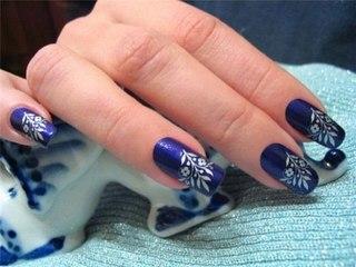 Синий матовый дизайн ногтей