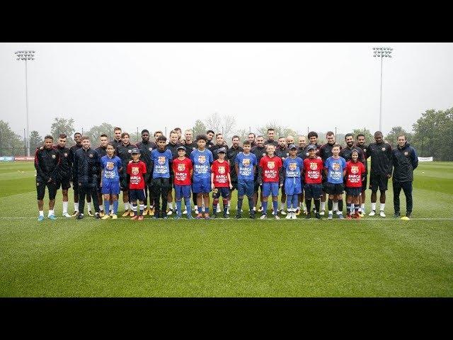Lionel Messi in training in the rain/Лионель Месси на тренеровке под дождем