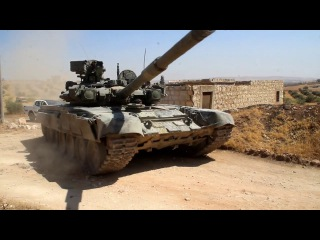 Российские танки Т-90 прибывают в Алеппо для борьбы с «Аль-Каидой»