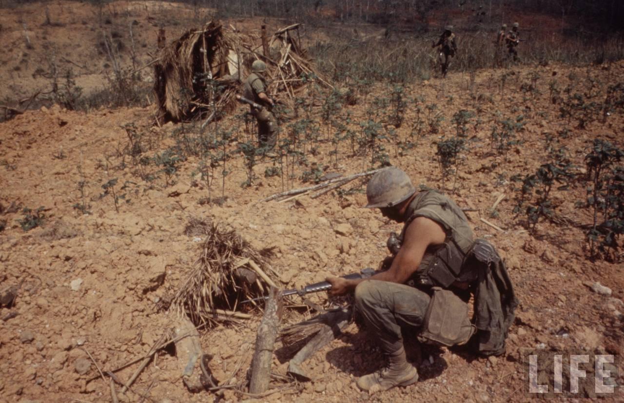 guerre du vietnam - Page 2 VvrM8Ng3I6c