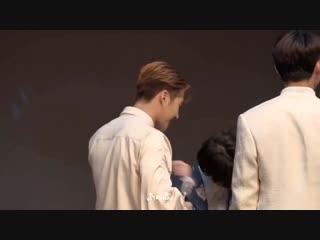 ต้องมี wang _♡ - คลิปนี้น่ารักมากๆ แจ็คสันไม่ใช่แค่เป็นรอยยิ้มของยองแจ แต่ยองแจก็คือรอยยิ้มของแจ็คสั