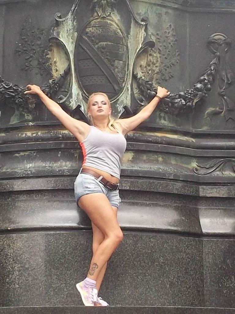 Елена Руденко ( Valteya ) . Германия. Дрезден. Лето 2012. U5DdJywLH20