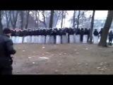 Беркут усеял всю улицу гильзами от патронов 'Терен 12' - ЕВРОМАЙДАН 20.01.2014