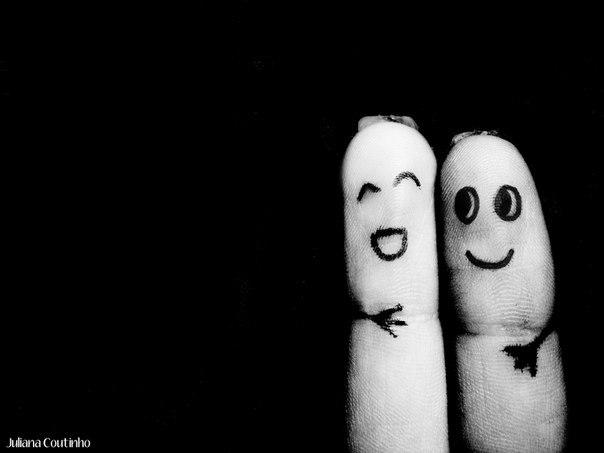 Что такое дружба? Дружба — вид устойчивых, индивидуально-избирательных межличностных отношений, характерных взаимной привязанностью участников, усилением процессов аффилиации, взаимными ожиданиями ответных чувств и предпочтительности. Развитие дружбы предполагает следование неписаному «кодексу», утверждающему необходимость взаимопонимания, взаимную откровенность и открытость, доверительность, активную взаимопомощь, взаимный интерес к делам и переживаниям другого, искренность и бескорыстие…