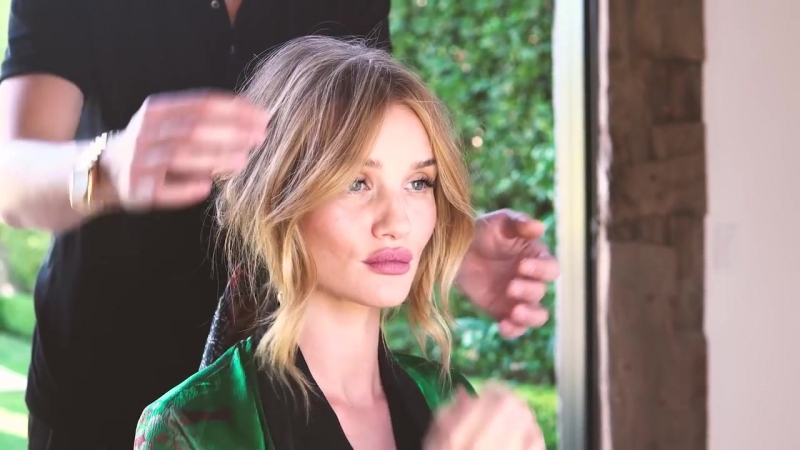 Hair tutorial_ Rosie Huntington-Whiteleys secret ponytail trick