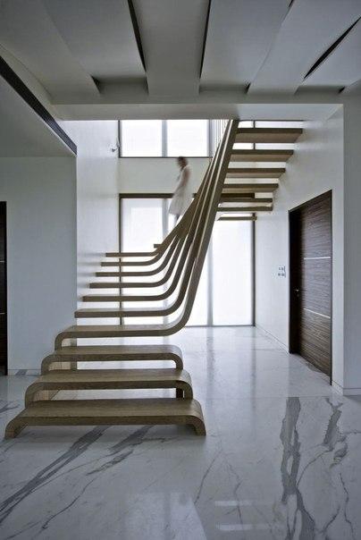 Шикарная лестница (1 фото) - картинка