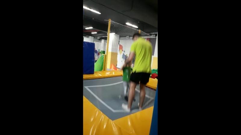 В крепких руках тренера_2
