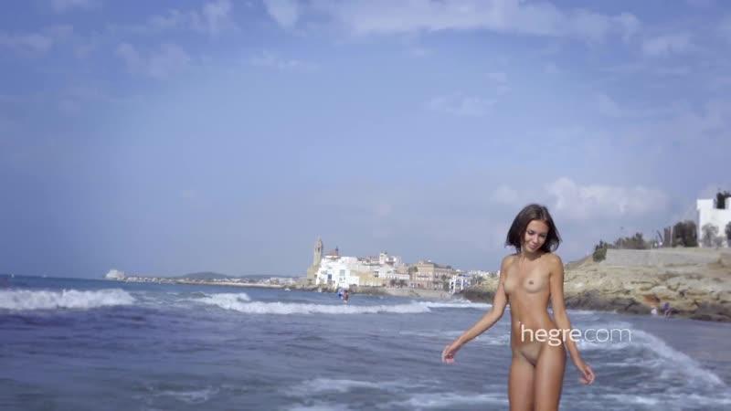 HA.2017.01.24.Karina.Nude.Beach.1080p