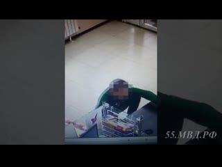 Моменты краж из магазинов в октябрьском округе
