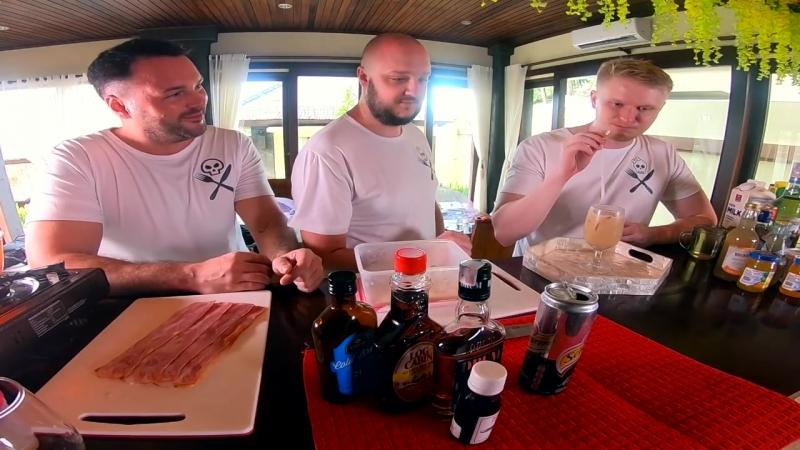 Oblomoff Бармен учит Друже делать коктейли из БЕКОНА и ДОШИКА