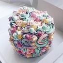 Невероятно красивый тортик! Как думаете, вкусный?