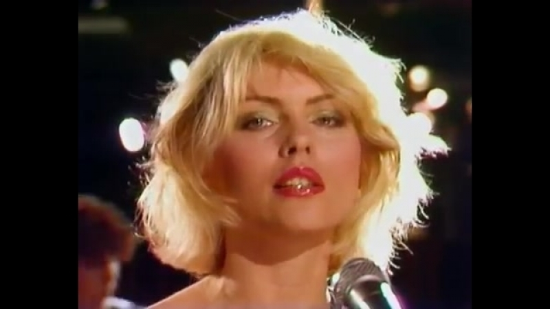 Дебби Харри — лидер группы «Blondie».