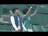 130416 Super Junior Yesung Kyuhyun at Sajik Baseball Stadium in Busan