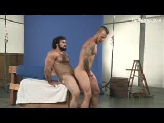 Гей порно брутальный мужик выебал тутауированного чувака gay porn hairy brutal dad/son older/younger