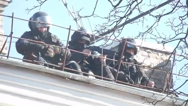 Пам'ятаймо, в цей день 18 02 14 Злочинне угрупування Беркут з криши стріляє в людей, кидає гранати
