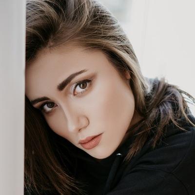 Яна Копнова