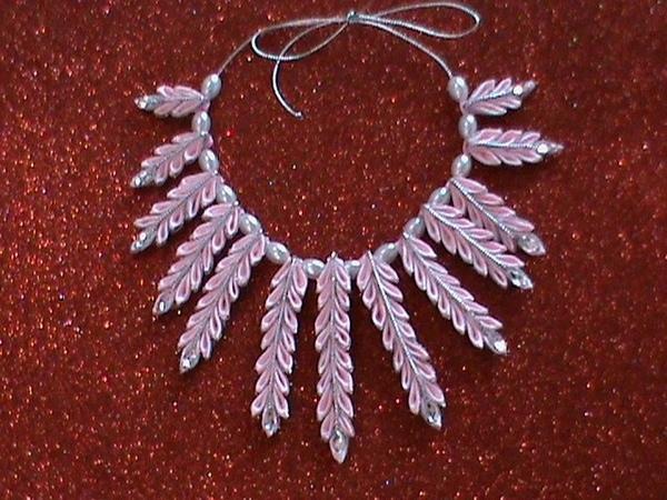 DIYМК Как сделать ожерелье из двухцветных острых лепестков канзаши для наших модниц