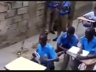 Когда одноклассники отвлекают от урока