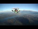 AFF Level 5 nearly gone bad. Ivan Solbakken freefalls alone, after instructor is stuck to the plane