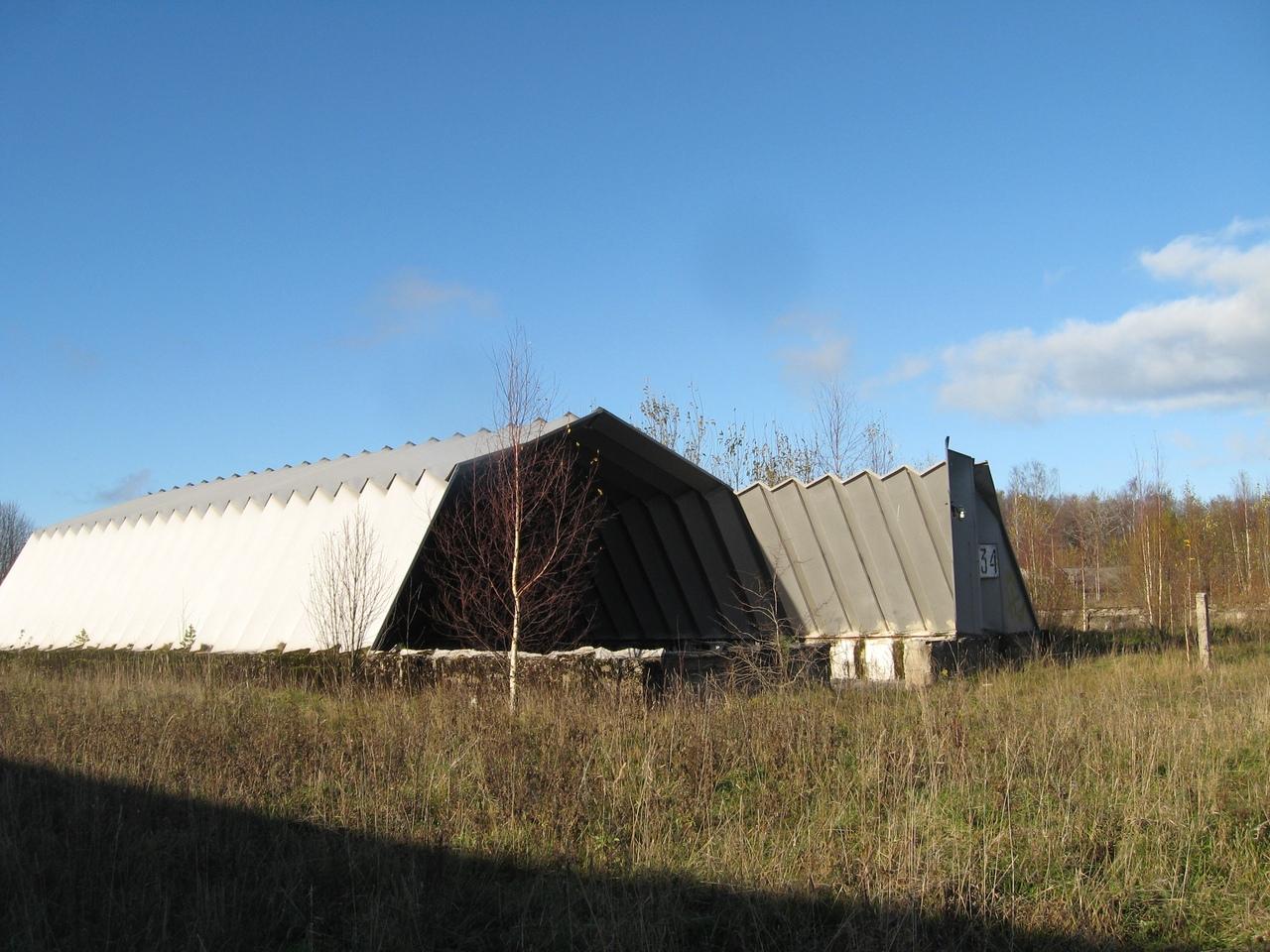 Поход 68км-Горавалдай-Шепелево. Часть 1: Лес, старинная церковь и заброшенный военный аэродром