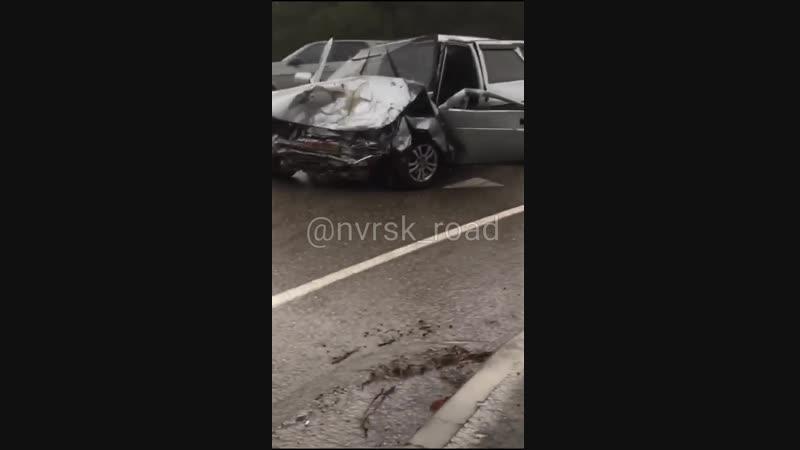 28 11 18 сильное ДТП на повороте в Дивноморск