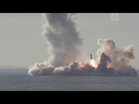 Залповый пуск ракет Булава с подлодки Северного флота Юрий Долгорукий